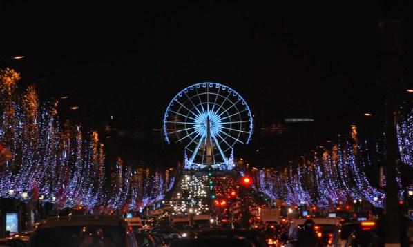 Paris-Christmas-ChampsElysees