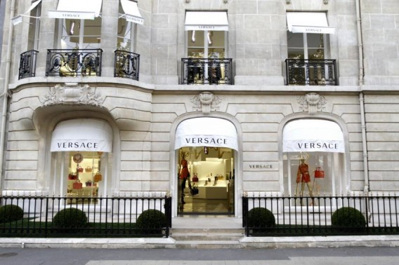 Versace-45-Avenue-Montaigne-Paris-new-store-concept-568x378